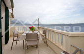 Beautiful apartment villa with restaurant, first row to the sea (4)
