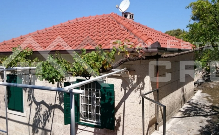 Beautiful stone villa in the first row to the sea for sale (9)
