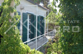 Beautiful stone villa in the first row to the sea for sale (10)