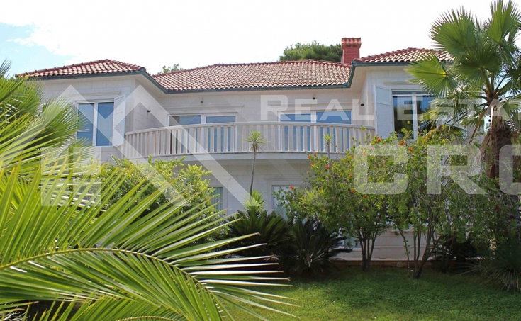 Luxurious villa with a swimming pool in the first line to the sea for sale, Brac island