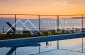 ST794, Nekretnine Split - Novoizgrađena vila s bazenom i prekrasnim pogledom na more, na prodaju