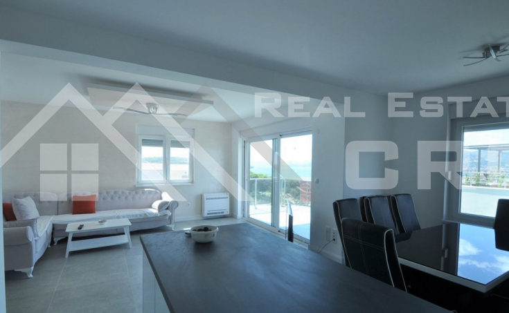 Newly-built apartment in a very attractive location for sale, Okrug Gornji, Ciovo