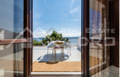 Detached house with beautiful sea view (6)