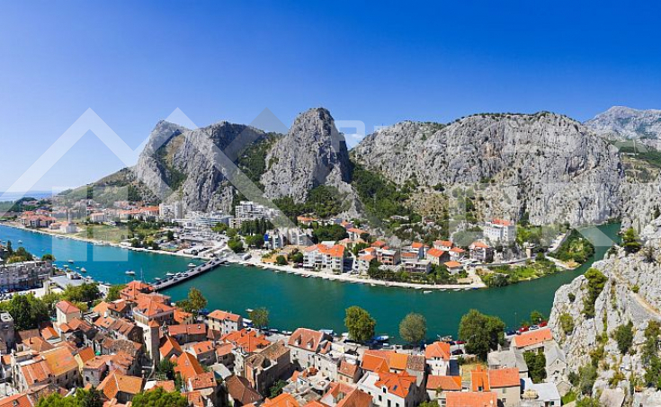 Omis properties – House with sea view in Omis, for sale