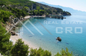 OM817, Nekretnine Omiš - Građevinsko zemljište s dozvolom i prekrasnim pogledom na more u blizini Omiša, na prodaju