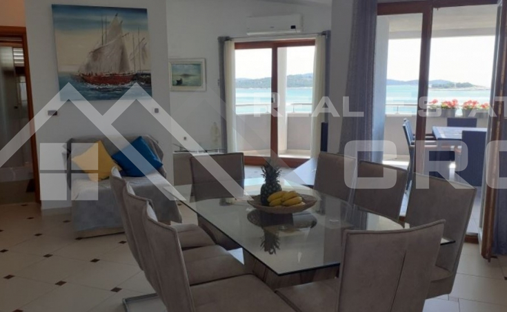Apartment house with sea view,  attractive location, close to Rogoznica (2)
