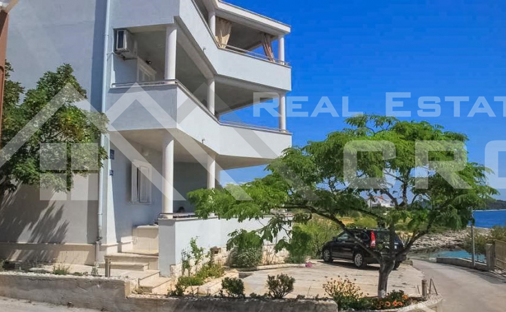 Apartment house with sea view,  attractive location, close to Rogoznica (5)