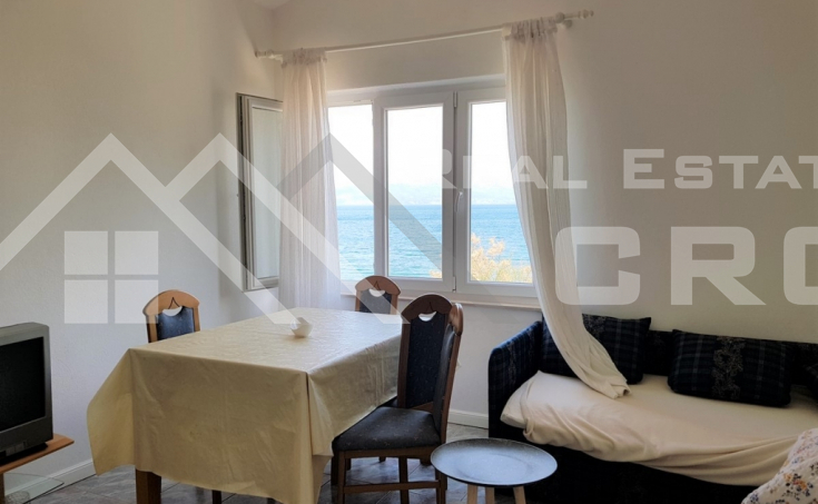 House in the first line to the sea for sale, Brac island (4)