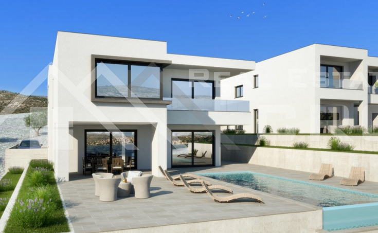 Villa under construction with swimming pool and wonderful sea view (1)