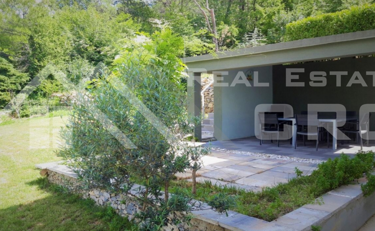 Modern villa with swimming pool in Split hinterland, for sale (1)