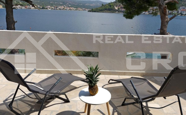 Wonderful house in the first row to the sea in Rogoznica, for sale (6)