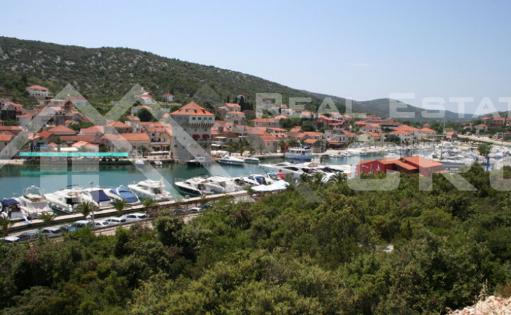 Building land with sea view, close to Trogir, for sale (2)