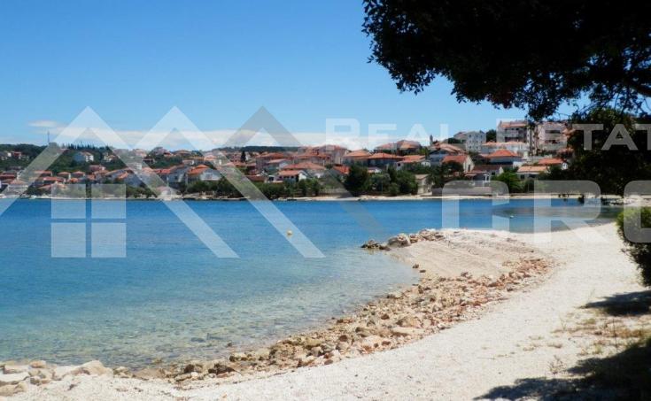 Nekretnine Čiovo - Tri stana s prekrasnim pogledima na more i s pripadajućim krovnim terasama na prodaju, otok Čiovo