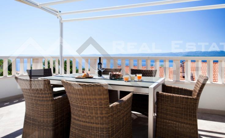Nekretnine Brac - Apartman s lijepim pogledom na more na prodaju, Bol, otok Brač