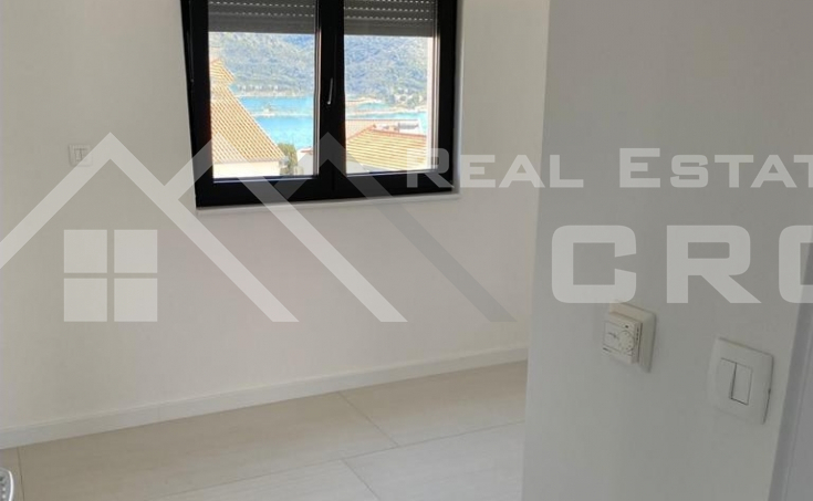Modern two bedroom apartment with a roof terrace for sale (6)