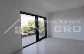 Modern two bedroom apartment with a roof terrace for sale (7)