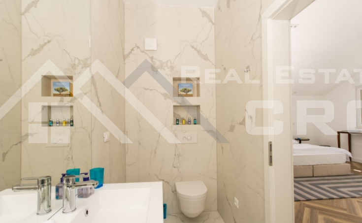 Luxurious penthouse with panoramic sea view, for sale (7)