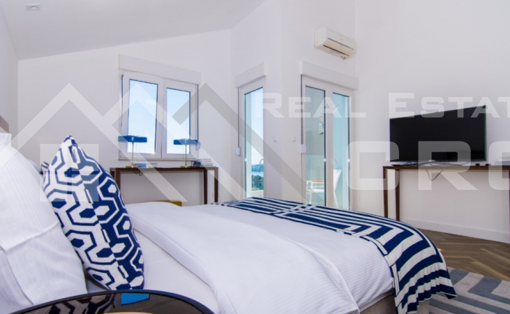 Luxurious penthouse with panoramic sea view, for sale (9)