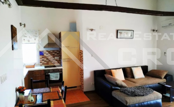 Solta properties – Stunning apartment house with swimming pool and sea view, for sale (6)