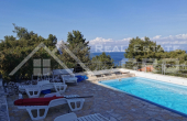 Solta properties – Stunning apartment house with swimming pool and sea view, for sale (2)