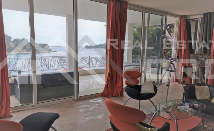 Solta properties – Modern house with wonderful sea view in an attractive location, for sale
