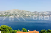 Ciovo properties - Apartment with a garden and sea view, for (7)