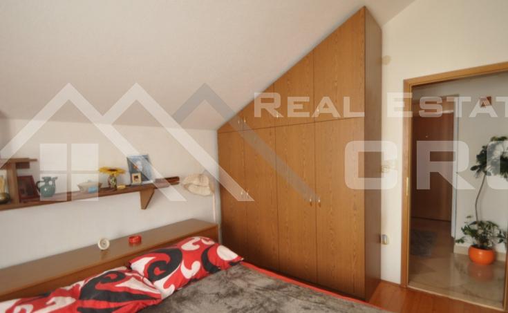 Apartman na vrlo atraktivnoj lokaciji na prodaju (1)