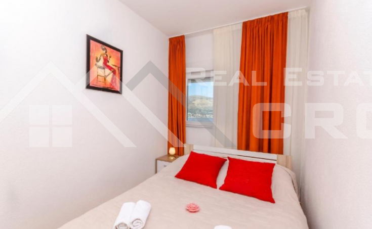 Beautiful apartment house in an incredible location with sea view, for sale (13)