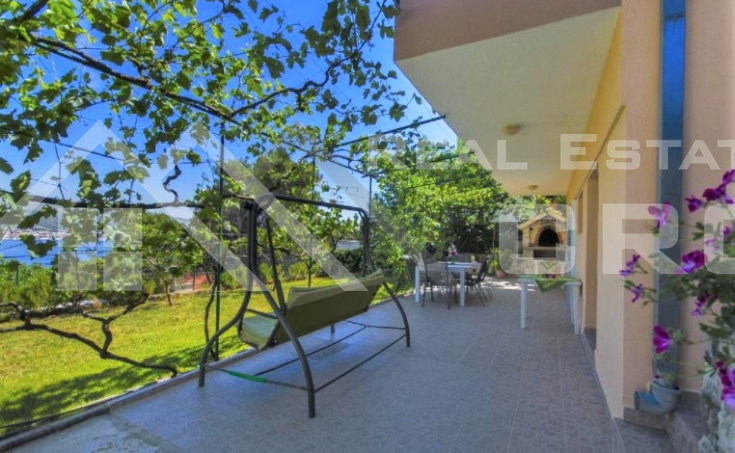 Beautiful apartment house in an incredible location with sea view, for sale (16)