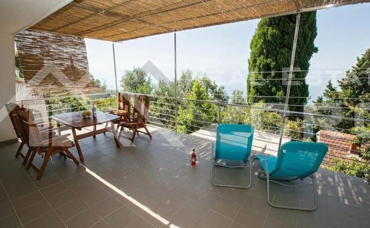 Nekretnine Čiovo - Kuća s predivnim pogledom na more na otoku Čiovo, na prodaju