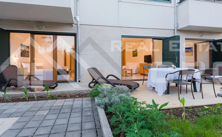 Equipped and furnished apartment with sea view, for sale (1)