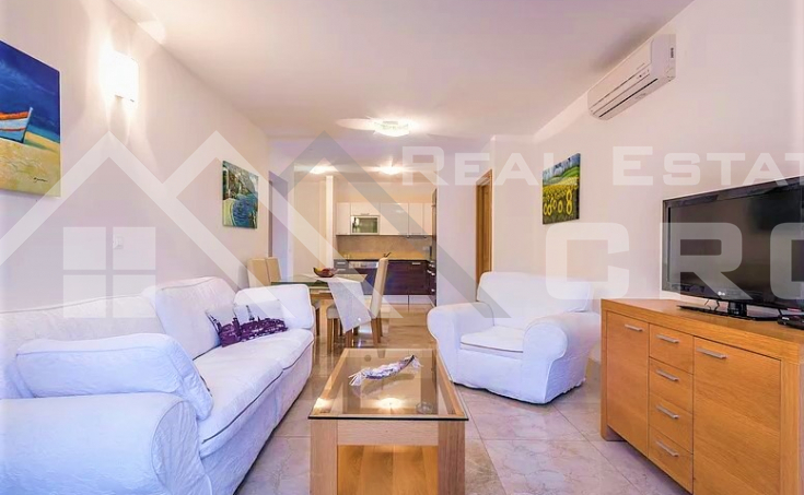 Equipped and furnished apartment with sea view, for sale (3)