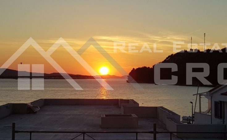 Villa in the first line to the sea for sale, Primosten (16)