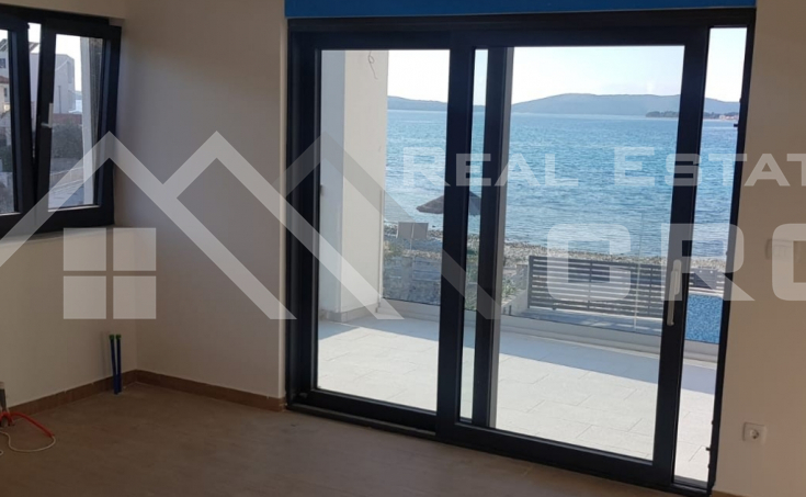 Villa in the first line to the sea for sale, Primosten (18)
