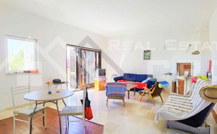 Bol properties – Charming house with wonderful sea view in the center of Bol, for sale