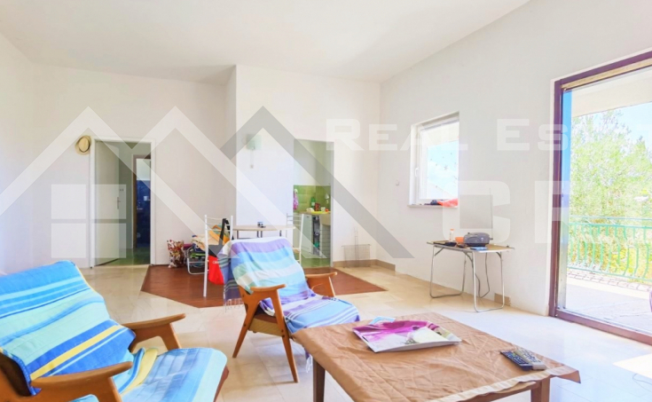 Charming house with wonderful sea view in the center of Bol, for sale (6)