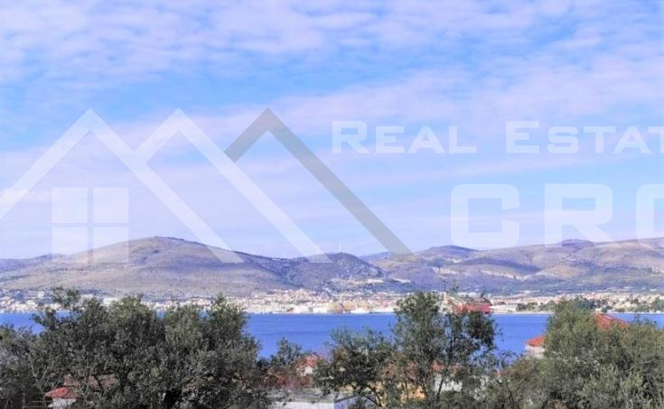 Nekretnine Čiovo - Atraktivan stan na prvom katu s prekrasnim pogledom na more, na prodaju
