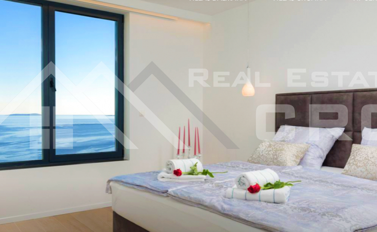 Wonderful deluxe villa with swimming pool and sea view for sale (9)