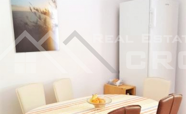 Charming house with garden and open sea view , for sale (6)