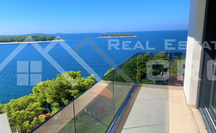 Nekretnine Primošten - Jedinstveni stanovi na drugom katu s panoramskim pogledom na more, na prodaju