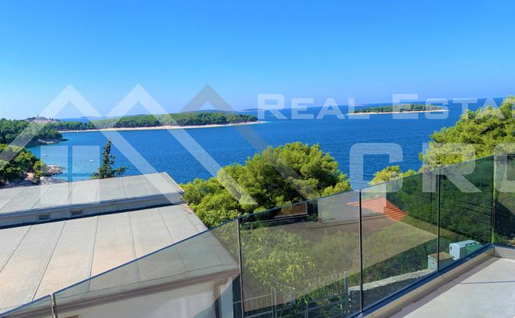 Nekretnine Primošten - Stan na prvom katu s panoramskim pogledom na more, na prodaju