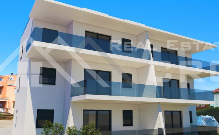 Nekretnine Vodice - Komforan stan u izgradnji u centru grada, na prodaju