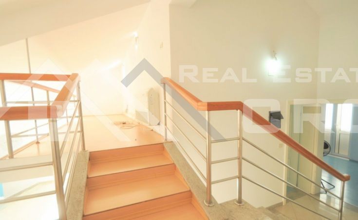 House with a garden in a peaceful location for sale, Sinj (11)