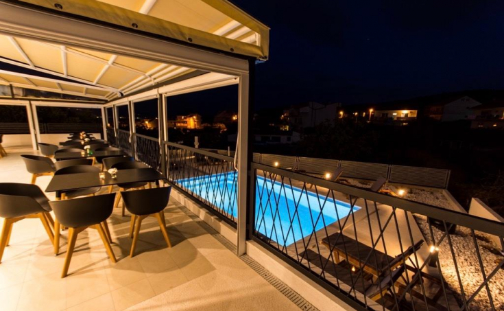 Wonderful luxurious villa with swimming pool and sea view, for sale (1)