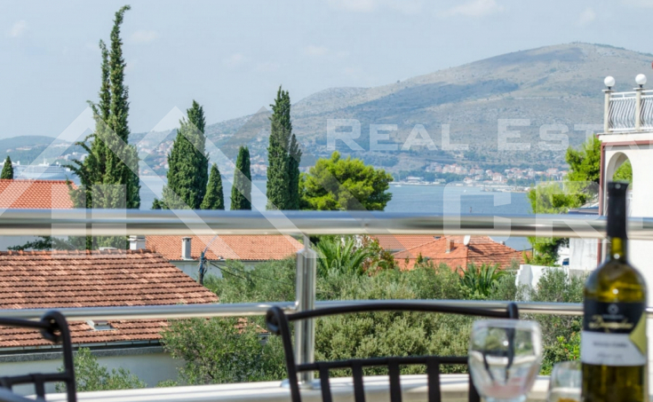 Completely furnished two-bedroom apartment with sea view, for sale (5)