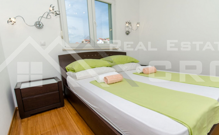 Completely furnished two-bedroom apartment with sea view, for sale (8)
