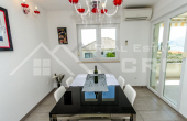 Completely furnished two-bedroom apartment with sea view, for sale (3)