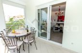 Completely furnished two-bedroom apartment with sea view, for sale (7)
