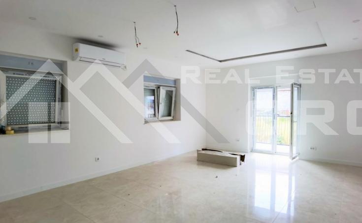 Nekretnine Split - Atraktivni trosobni apartmani u novoj stambenoj zgradi, okolica Splita, na prodaju