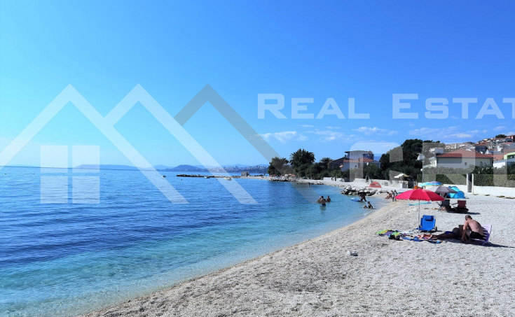 Nekretnine Podstrana - Građevinsko zemljište u prvom redu do mora s neometanim pogledom na more, na prodaju